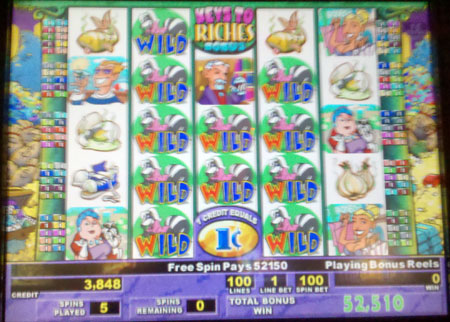Rich Lady with wild was matched during Keys to Riches Bonus